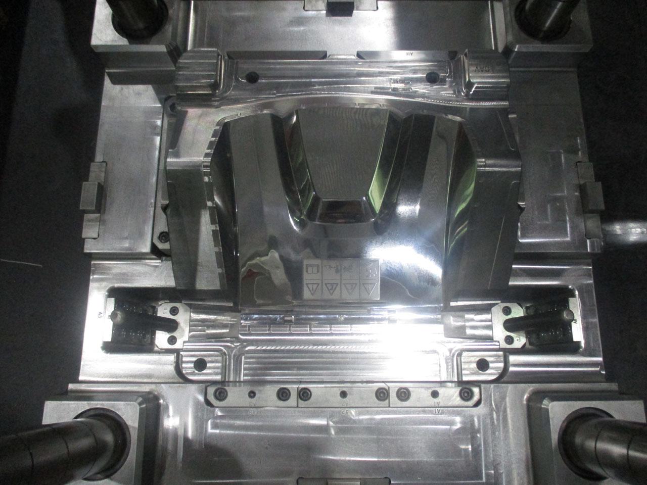 Weeder casing